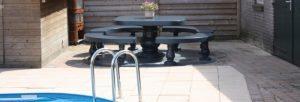 betonnen-picknickset-romana-bij-zwembad